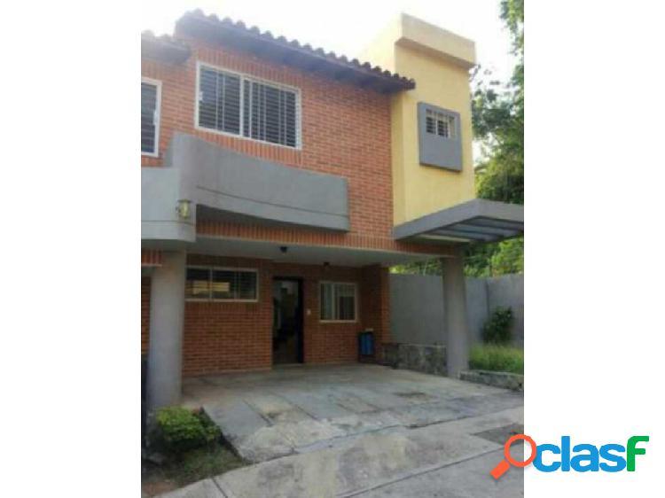 En venta town house urbanizacion mañongo