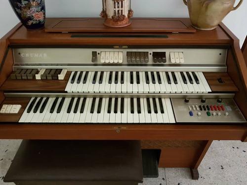 Organo musical marca crumar