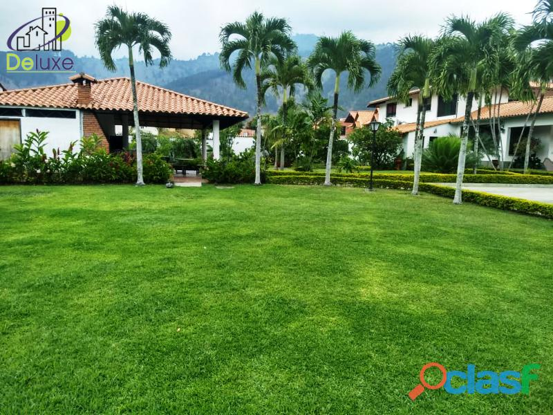 Estupenda casa estilo arquitectura moderna, 400 m2 Urbanización La Mara