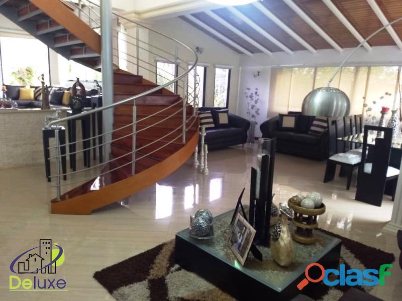 Estupenda casa estilo arquitectura moderna, 400 m2 Urbanización La Mara 17