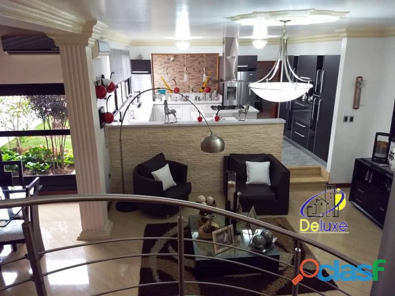 Estupenda casa estilo arquitectura moderna, 400 m2 Urbanización La Mara 13