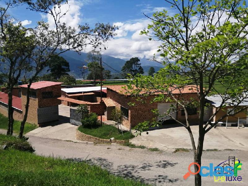 Espectacular Finca de 32 Ha con carretera que bordea la propiedad, Chiguará