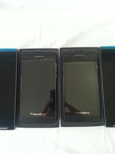 Dos Blackberry Z10