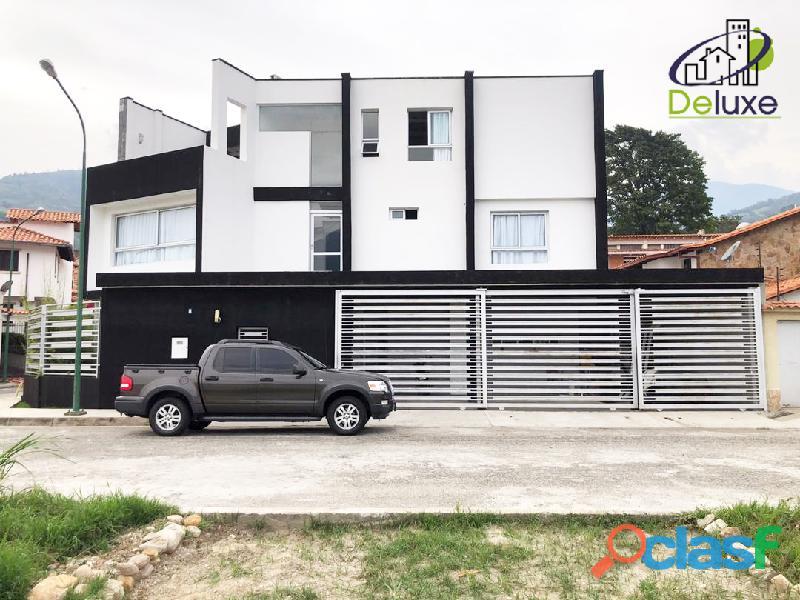 Espectacular vivienda con circuito cerrado, 492 m2 Urb Los Cortijos 2