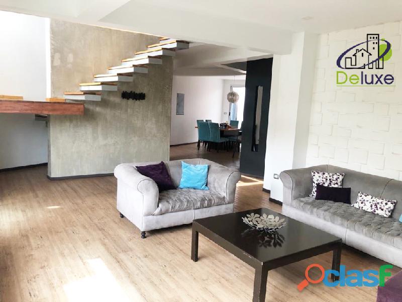 Espectacular vivienda con circuito cerrado, 492 m2 Urb Los Cortijos 3