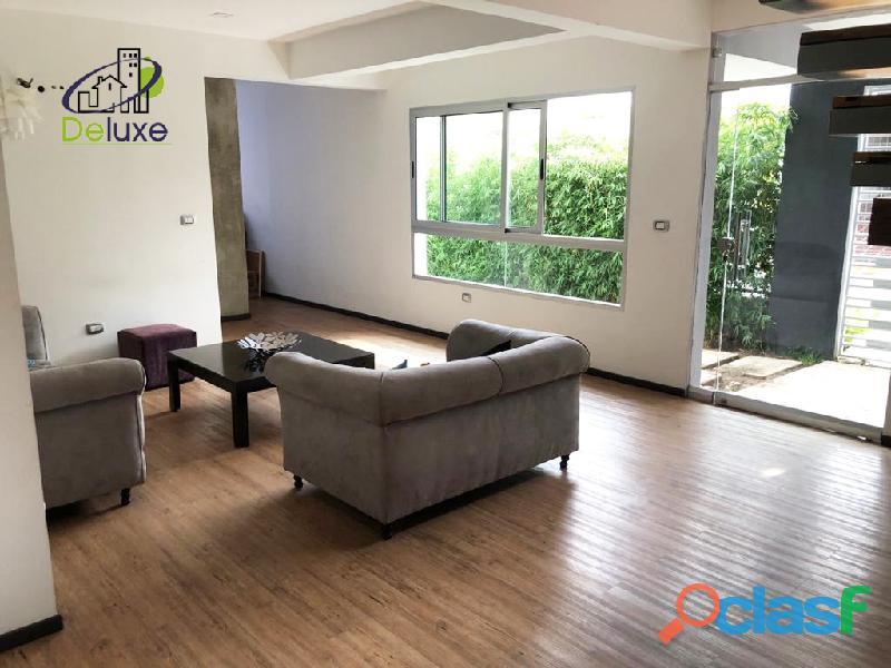 Espectacular vivienda con circuito cerrado, 492 m2 Urb Los Cortijos 4