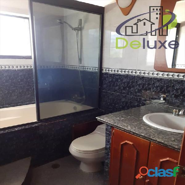 Exclusiva casa de 457 m2 terrenp y 330 m2 construcción, Urbanización Quebrada Linda 3