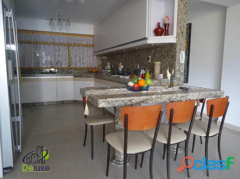 Exclusivo Apartamento de 141 m2, ubicación privilegiada Residencias Diamela 8