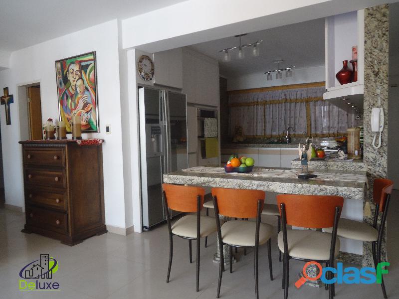 Exclusivo Apartamento de 141 m2, ubicación privilegiada Residencias Diamela 7