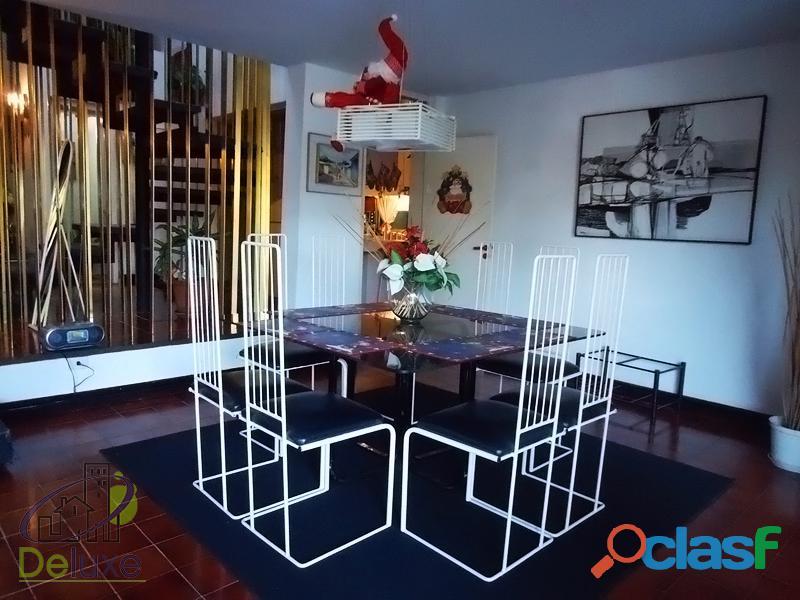 Fabulosa casa arquitectura estilo único, 603m2t, 280m2c. Urbanización La Mara 2