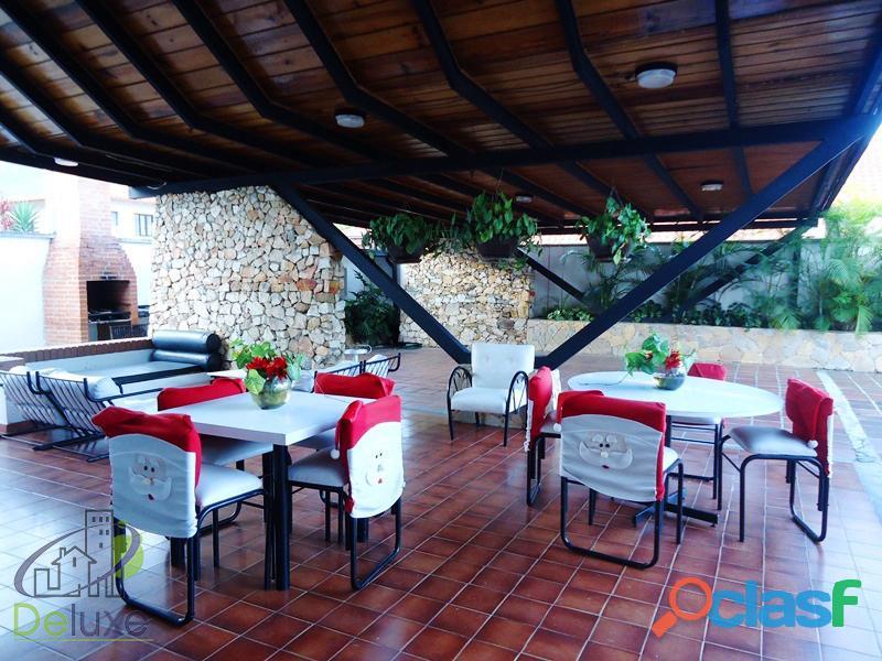 Fabulosa casa arquitectura estilo único, 603m2t, 280m2c. Urbanización La Mara 7