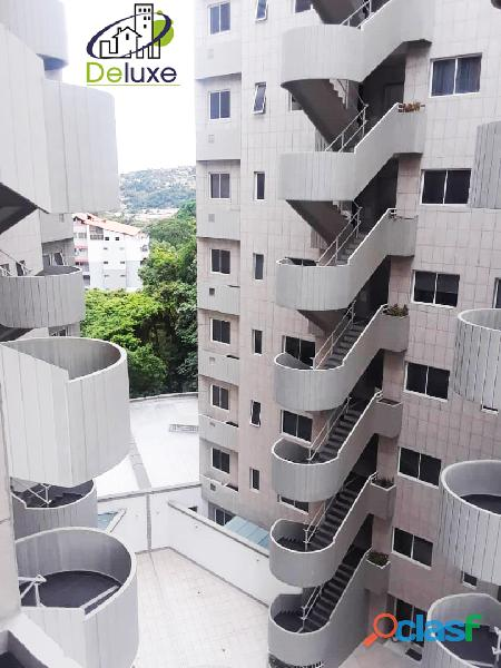 Lujoso apartamento de 145 m2 ubicado en exclusivo Conj Priv Monserrate Garden