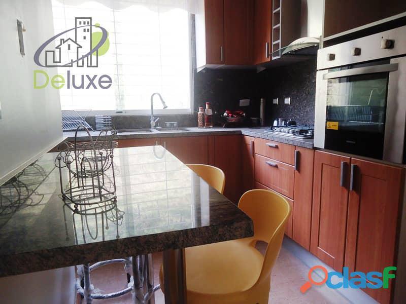 Amplio Apartamento 93 m2 con privilegiada ubicación, Vigilancia Privada 24h. Residencias Tridente 8
