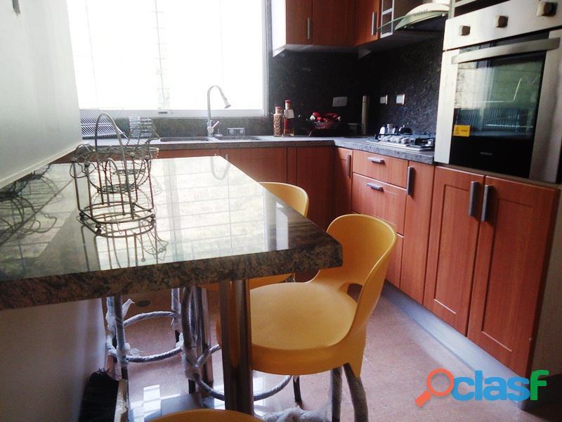 Amplio Apartamento 93 m2 con privilegiada ubicación, Vigilancia Privada 24h. Residencias Tridente 6