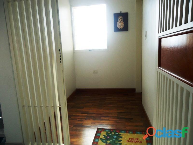 Amplio Apartamento 93 m2 con privilegiada ubicación, Vigilancia Privada 24h. Residencias Tridente 5