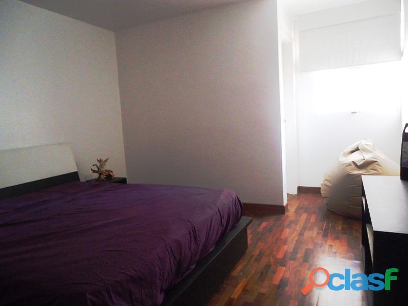 Amplio Apartamento 93 m2 con privilegiada ubicación, Vigilancia Privada 24h. Residencias Tridente 3