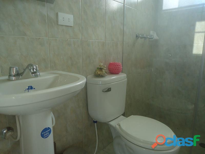 Amplio Apartamento 93 m2 con privilegiada ubicación, Vigilancia Privada 24h. Residencias Tridente 1