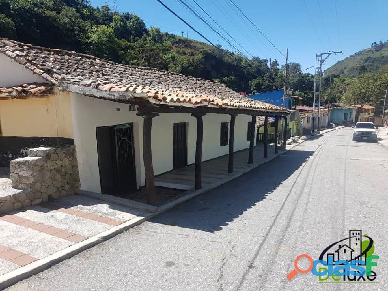 Casa arquitectura colonial, 1000 m2 terreno y 457 m2 construcción, Cacute