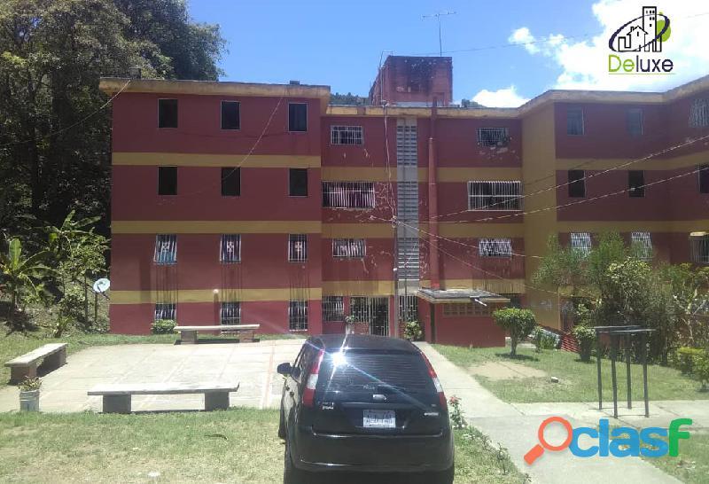 Cómodo apartamento de 65 m2, ubicado en la urbanización j. j. osuna rodríguez