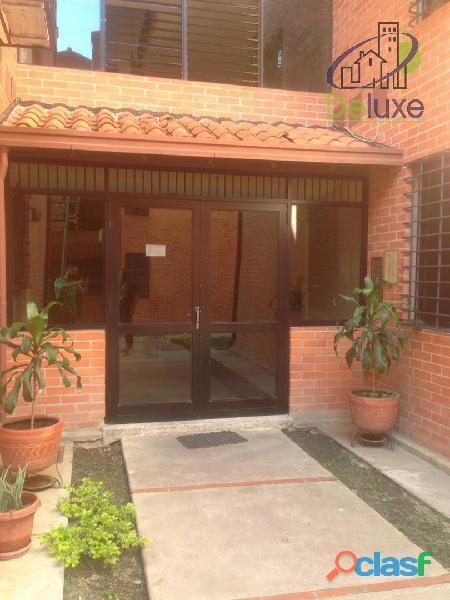 Cómodo apartamento de 88 m2 en conjunto residencial privado serranía casa club
