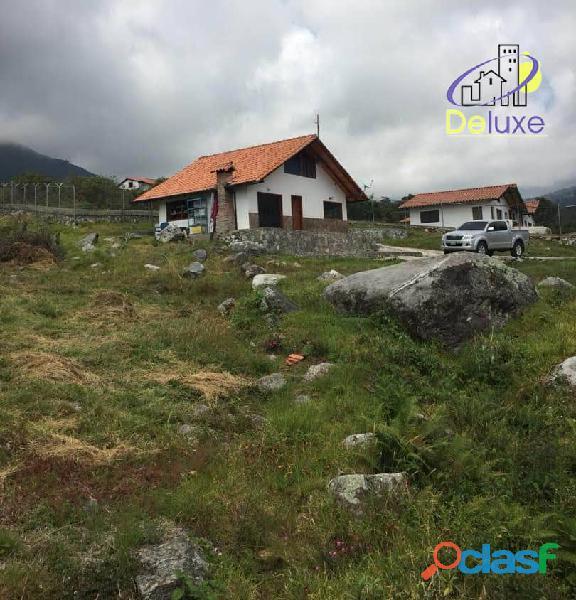 Casa y Terreno de 2000m2 con excelente ubicación en el Sector El Valle 8