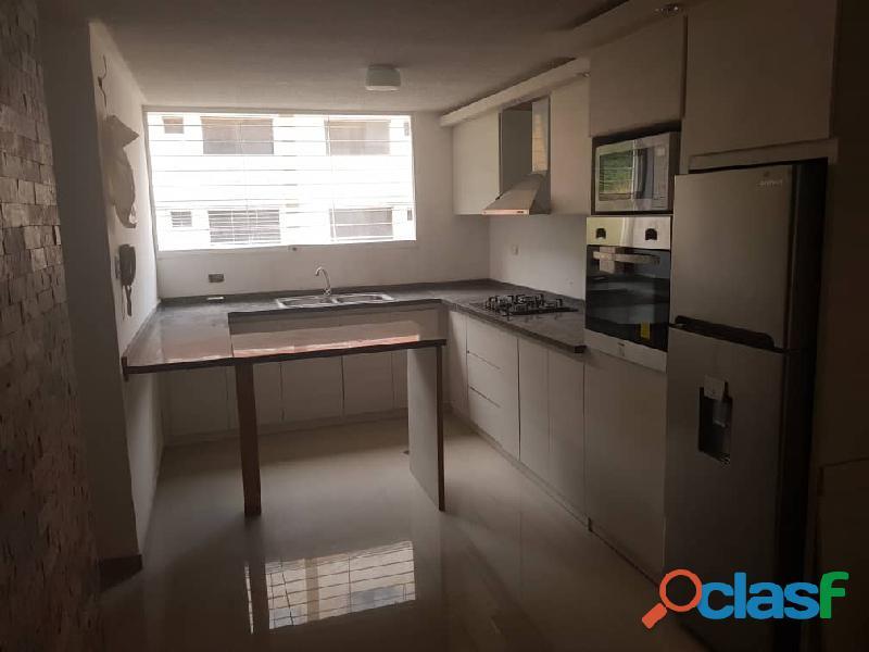 Fabulosos Apartamento totalmente terminado, 76 m2, ubicado en Conj Res Priv Riberas de La Milagrosa