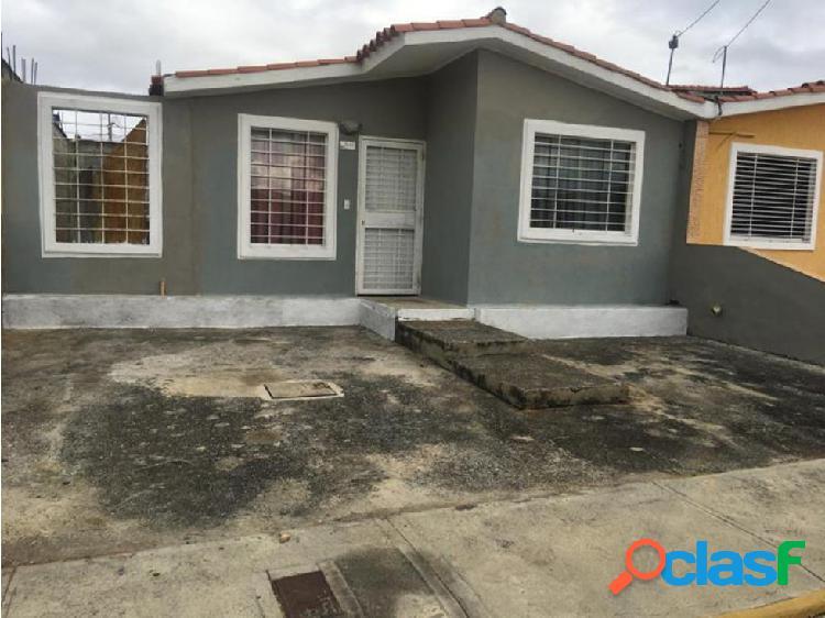 En venta casa económica en hacienda yucatan cuji