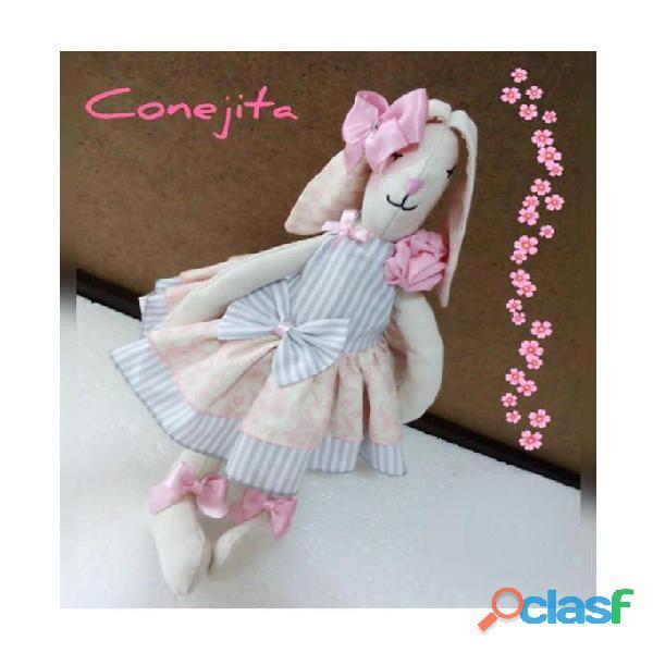 Muñecas y Cojines Artesanales 10