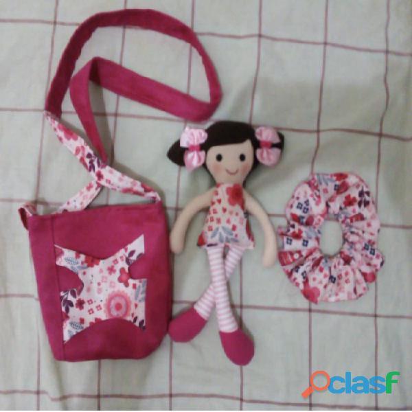Muñecas y Cojines Artesanales 8