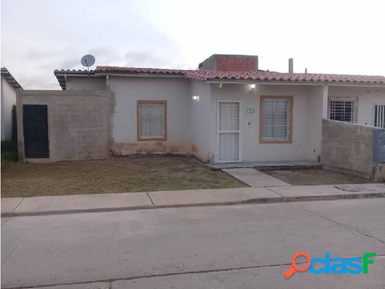 En venta casa en Brisas del Lago 4ta etapa