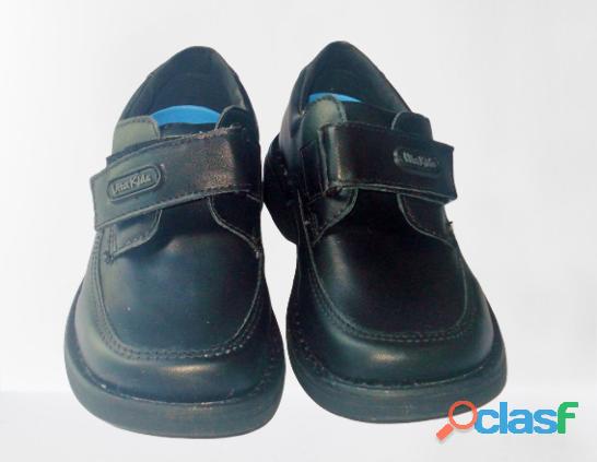Vendo Zapatos Vita Kids Escolares Negros 1