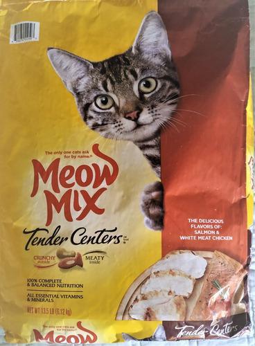 Gatarina meow mix