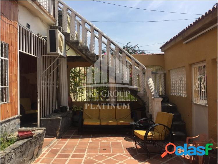 (MAC-620) Casa Santa Rosa, Av Las Ferias 3