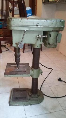 Equipos, maquinas y herramientas para carpintería