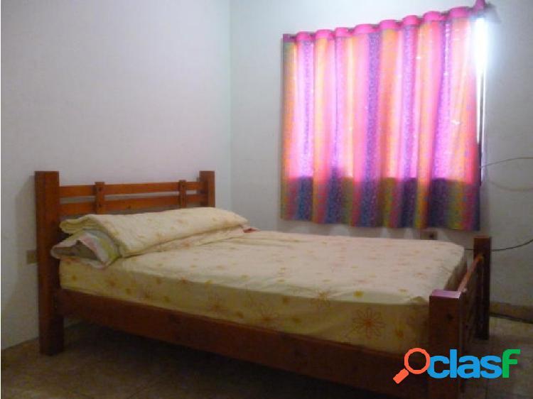 Se vende Casa en La Esmeralda (0424-4404205) opm 20-1456 3
