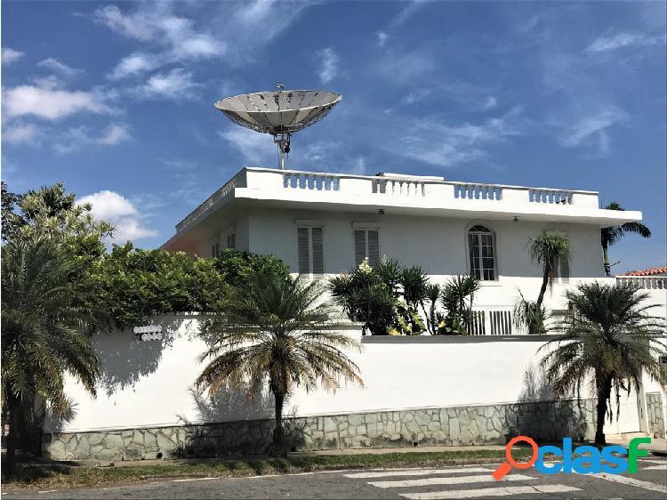 Espectacular casa en la urbanización la trinidad