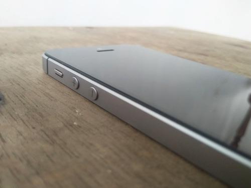 Teléfono iphone se de 16gb en muy buen estado