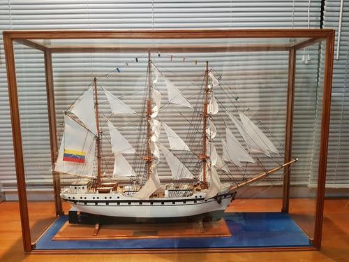 Modelo a escala velero buque escuela simón bolívar