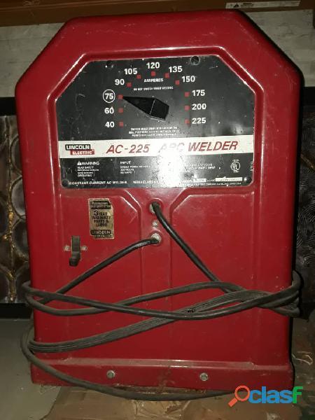 Maquina de soldar lincoln ac 225 (nueva)