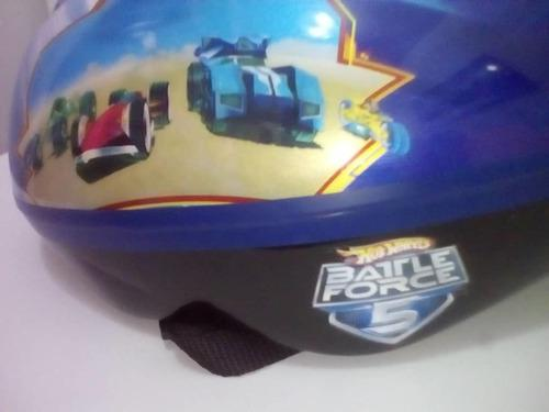 Casco, muñequeras, rodilleras y coderas marca hot wheels