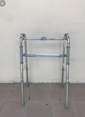 Andadera aluminio abatible