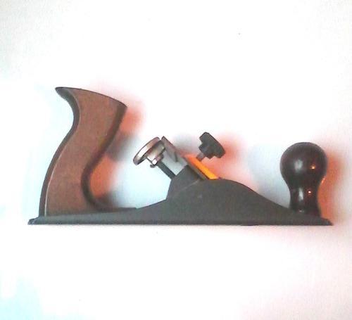 Cepillo manual de carpintería