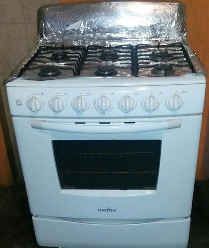 Cocina mabe de 6 hornillas usada excelente condición.