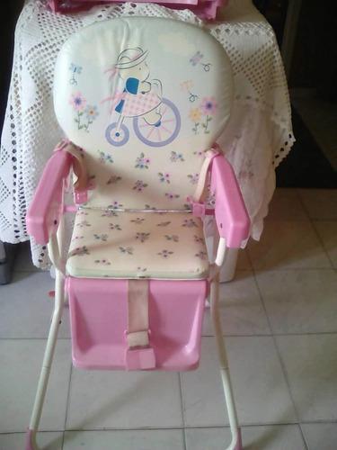 Mesa de comer triciclo y juguete