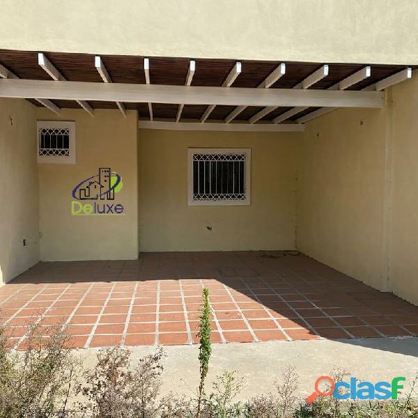 Hermosa Casa con un área de 260 m2 en Sector La Toma de los Muros de Tadeo, Mucuchíes 2
