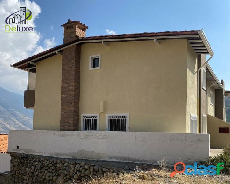 Hermosa Casa con un área de 260 m2 en Sector La Toma de los Muros de Tadeo, Mucuchíes 3