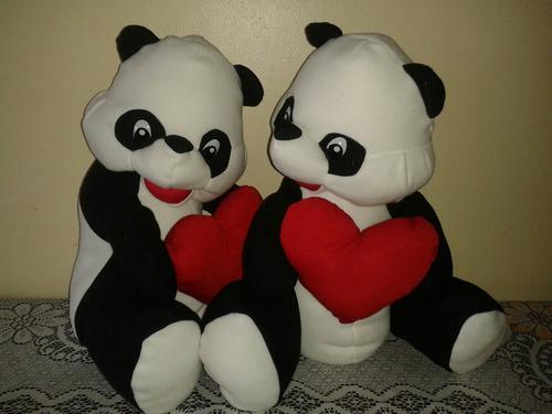 Oso panda con corazon 40 cm