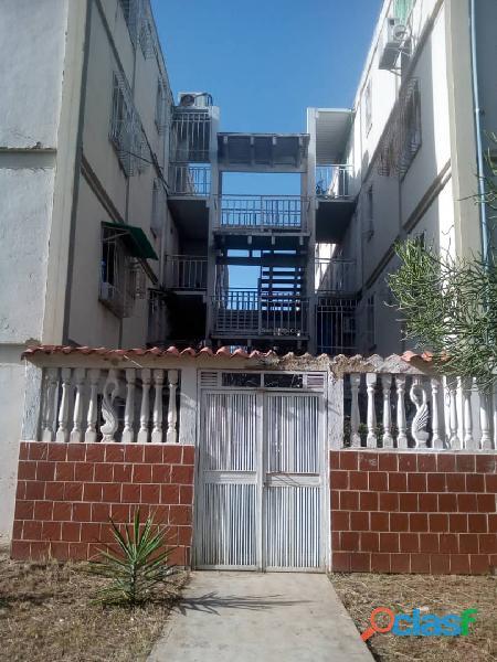Vendo apartamento en charalleve miranda