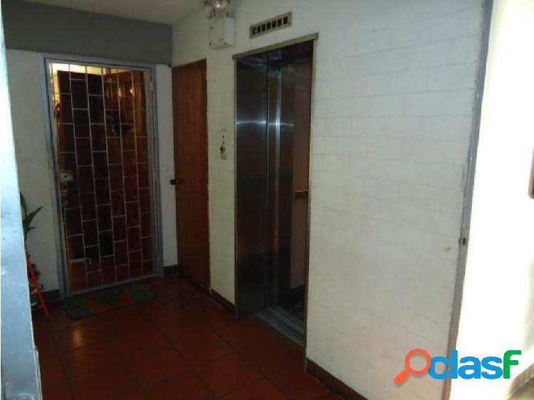 Apartamento en venta zona este de barquisimeto 20-20538 mmm