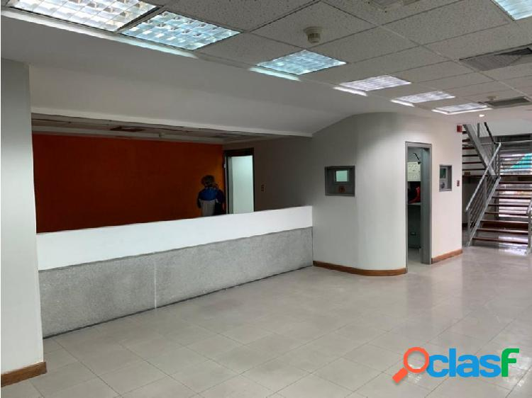 Se alquila local 200m2 sabana grande